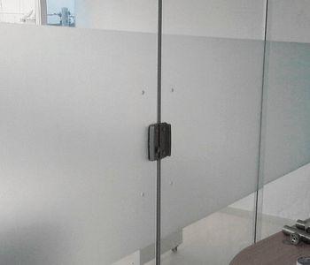 Jateamento de box de vidro