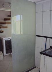 Serviços de jateamento de vidros