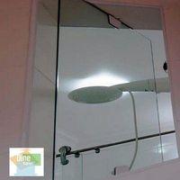 Janela de vidro temperado pivotante