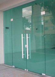 Fábrica de janelas de vidro temperado
